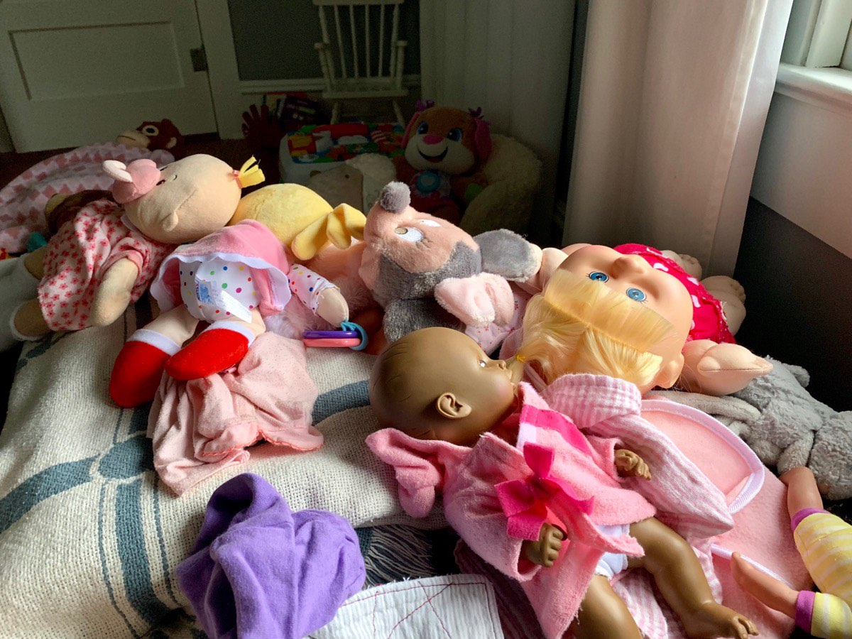 So many dolls...