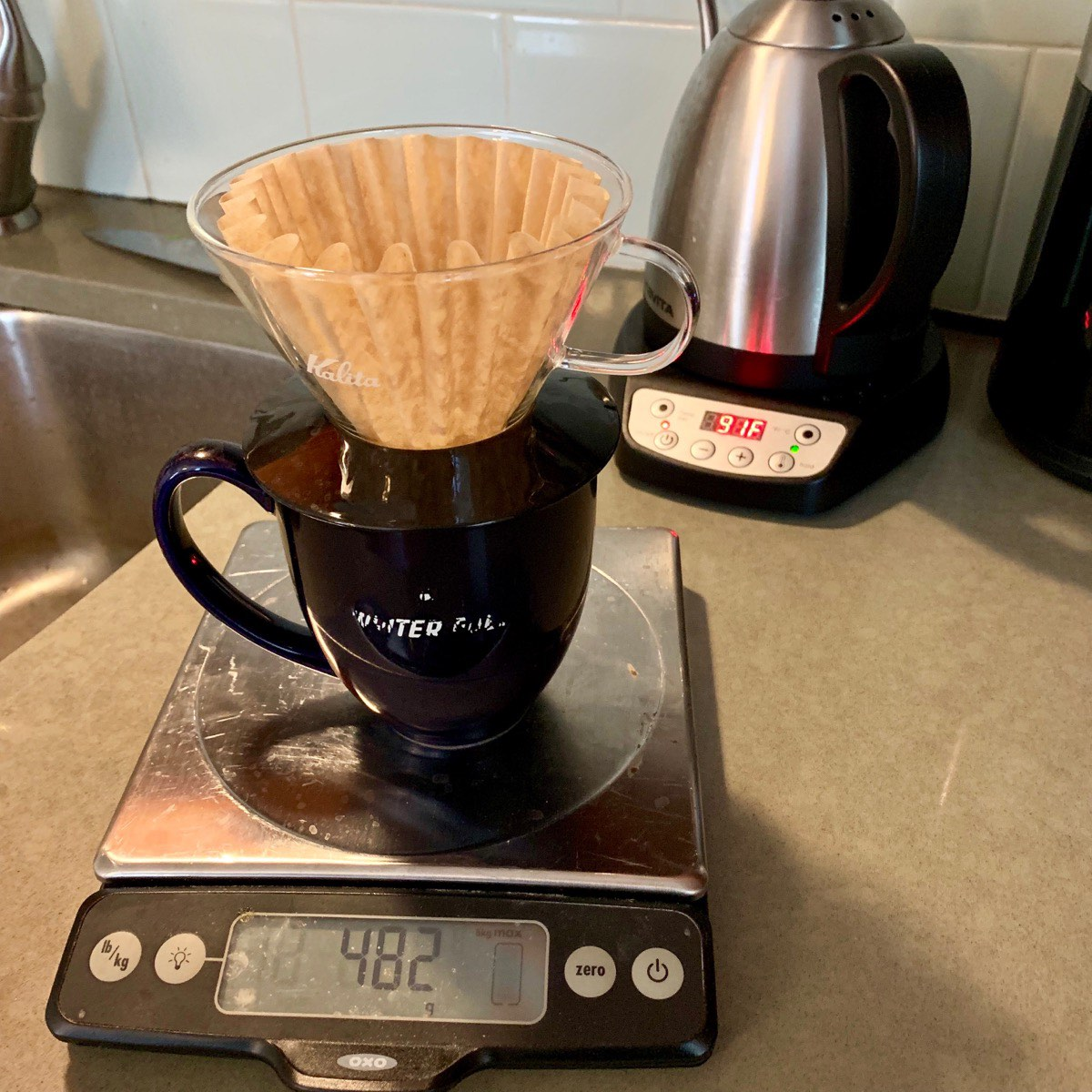 Brewing coffee with the Kalita Wave